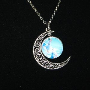 Beautiful NWOT moon necklace with two women